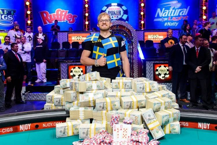 Playing Poker for a Living - A Complete Breakdown